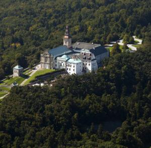 Klasztor na Św. Krzyżu i Muzeum Misyjne MOMN