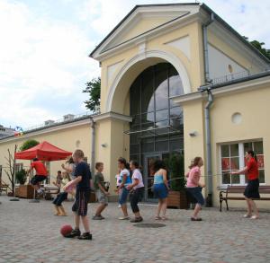 Pamiątki regionalne w Muzeum Zabawek i Zabawy w Kielcach