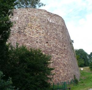 Mur oporowy w Bobrzy