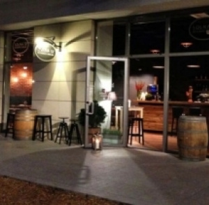 SOLNA 12 - Restaurant & Wine Bar