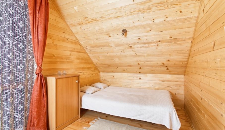 Sypialnia w domku góralskim